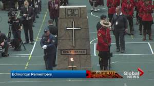 Edmontonians hear the Last Post and spend 2 minutes in silence for Remembrance Day