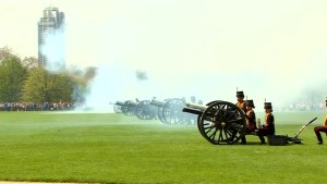 London gun salute marks Queen Elizabeth's 92nd birthday