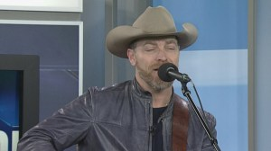 George Canyon performs 'Better Off in Love'