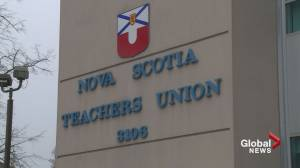 N.S. teachers union meets with minister to discuss reforms behind closed doors (01:51)
