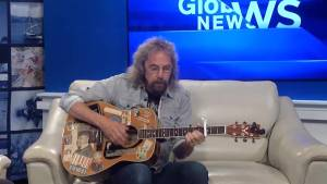 Singer-songwriter Rob Watkins visits Global News Morning