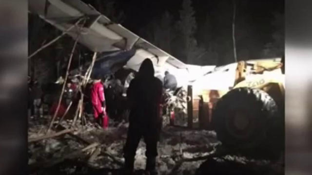 Plane crashes in northern Saskatchewan with 25 people on board, no fatalities