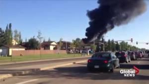 Fire breaks out at northeast Edmonton apartment building