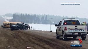 Students walk away from school bus crash in central Alberta