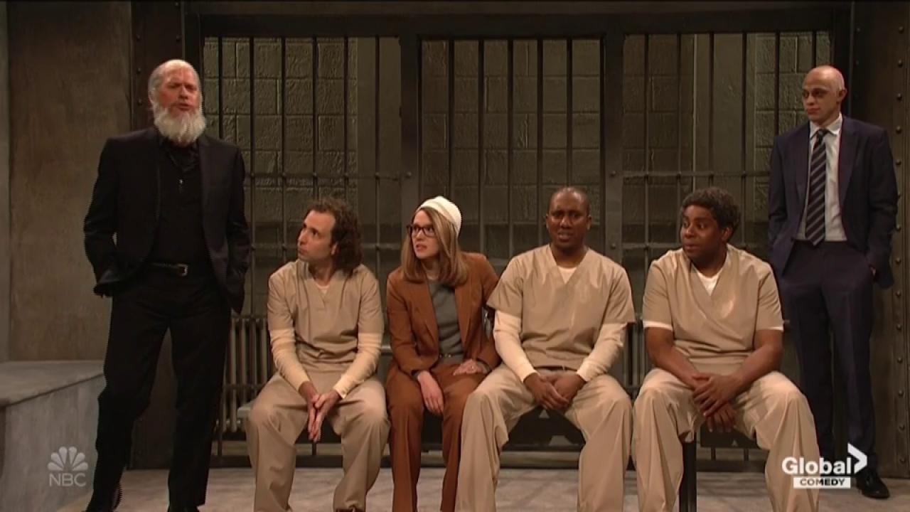 Lori Loughlin, Julian Assange, Michael Avenatti share jail cell on 'SNL'