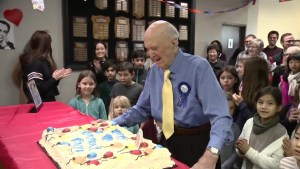 99-year-old 'Candy Man' steps down after 3 decades at Vancouver Academy of Music