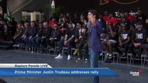 Raptors victory parade: Trudeau screams himself hoarse at victory rally