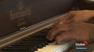 Edmontonian who touched millions with impromptu piano performance dies at home