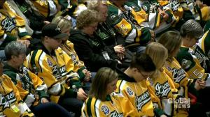 People gather at Humboldt rink in search of healing