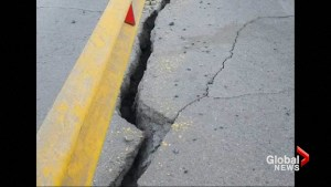 Highways and homes damaged in Peru quake