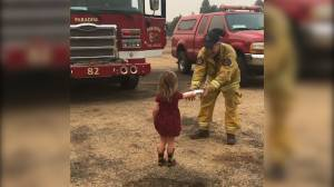 Toddler keeps firefighters fueled as they fight California wildfire