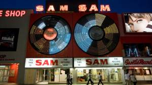 'Sam the Record Man' sign to be installed during Dundas St. road closure
