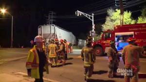 Emergency officials investigate derailment in Scarborough (00:48)