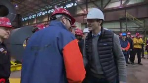 Prime Minister Trudeau reassures Regina steel workers amid NAFTA negotiations
