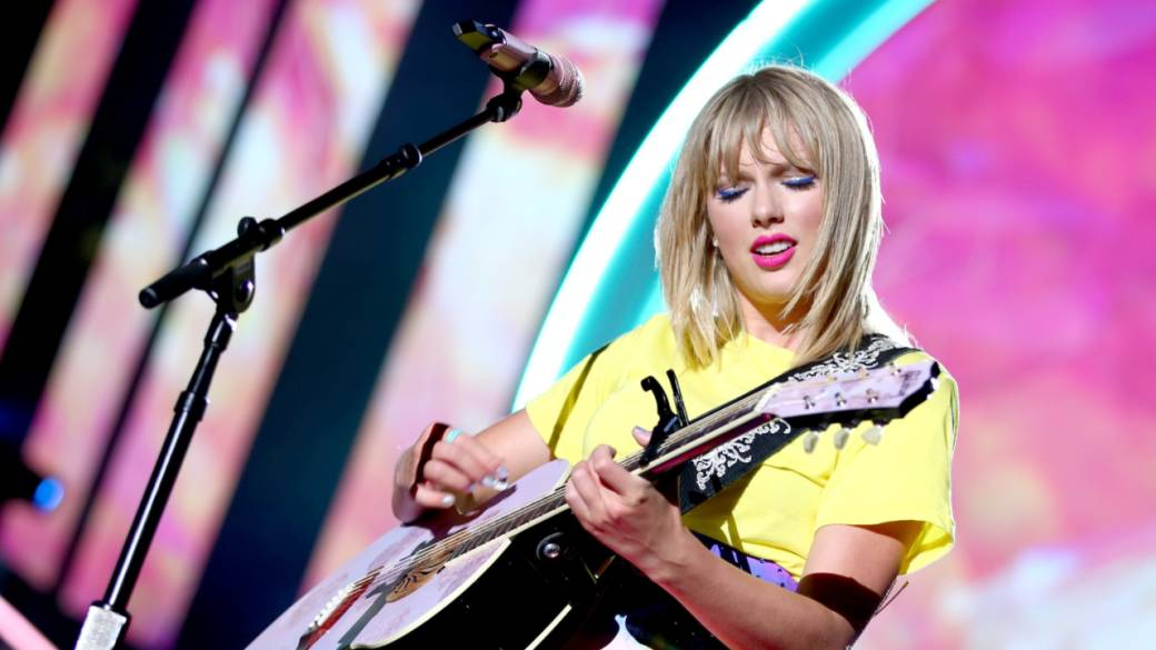 Record label denies Taylor Swift allegations she's blocked from performing her own songs