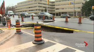 Drastic temperature changes cause large sinkhole on Yonge St.