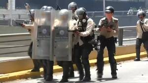 Venezuelan government fires tear gas, rubber bullets into anti-Maduro protest