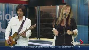 Lea Longo performs