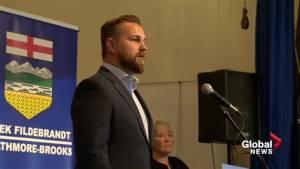 How do constituents in Strathmore-Brooks feel about Derek Fildebrandt?