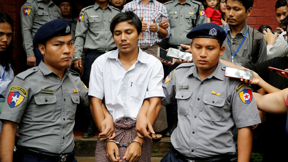 Myanmar: Reuters journalists jailed for reporting on Rohingya killings freed from prison