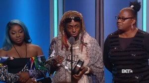 Lil Wayne praises officer who saved his life in BET speech