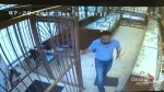 Sword-wielding jewelry store owner scares off robbers
