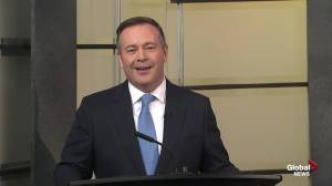 Jason Kenney highlights jobs, economy and pipelines in closing (01:01)