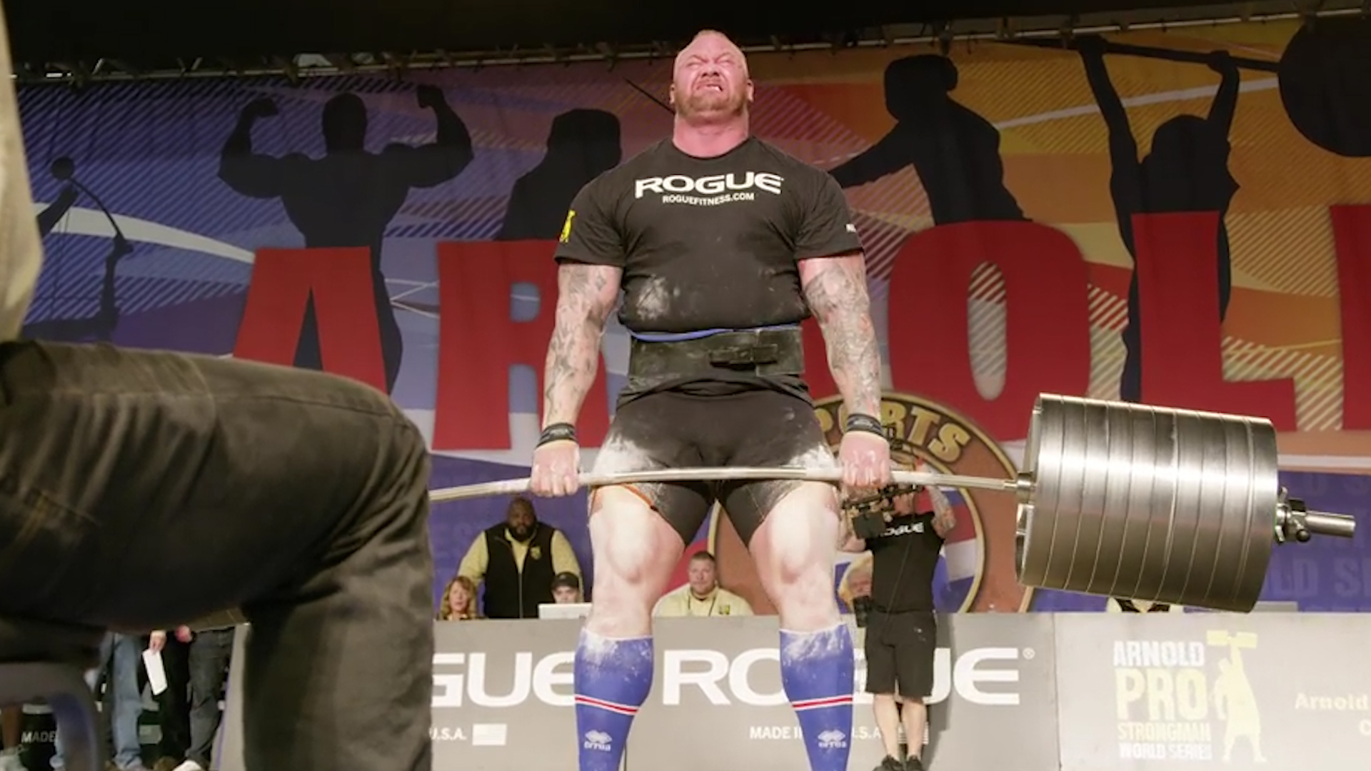 The Mountain from 'Game of Thrones' deadlifts world record weight
