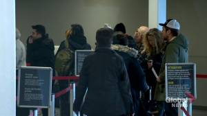 'Brutal' Saskatoon airport's security screening delays detailed in the dozens (01:59)