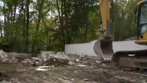 Quebec floods: Île Mercier home demolished