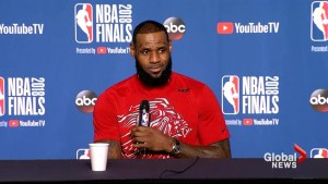 LeBron James,  Steph Curry react to Philadelphia Eagles White House controversy