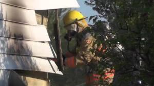 Kawartha Lakes firefighters battle house fire in Bethany