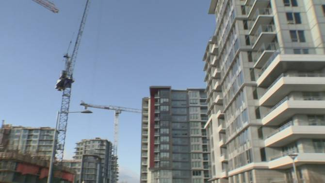 New report says B C  housing market in midst of recession