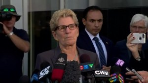 Wynne called 'liar, liar' by hecklers after testifying at bribery trial