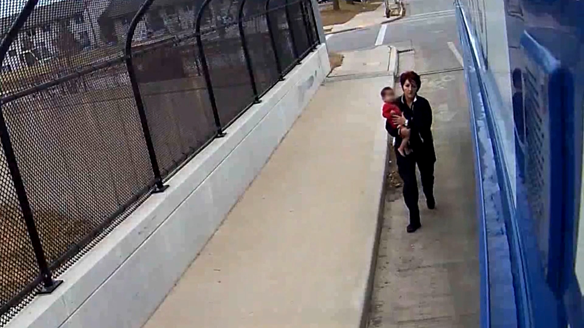 Bus driver rescues toddler wandering on USA  overpass in freezing conditions