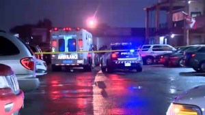 1 dead after shooting at plaza in North York