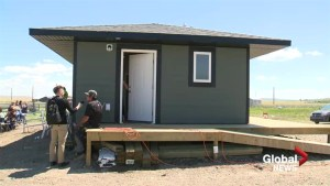 Pilot project tackles First Nation housing crisis 1 tiny home at a time