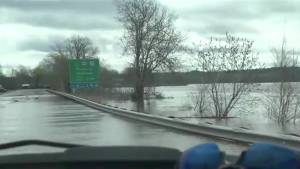 New Brunswickers cope with weekend flooding due to rain (02:17)