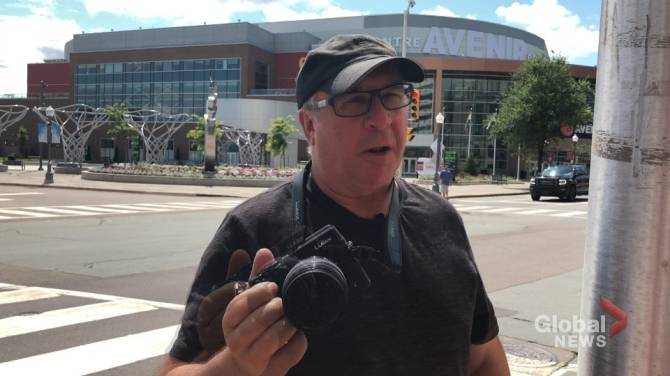 Moncton photographer 'disappointed' nobody stepped up to help when he was attacked downtown