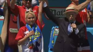 Miki Sudo downs 38 1/2 hot dogs to win 4th of July Coney Island hot dog eating contest