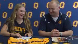 Queen's hockey Gaels sign Kingston star