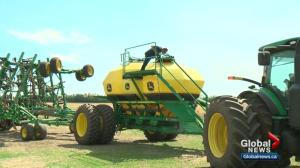 Hot Alberta weather helps spring seeding