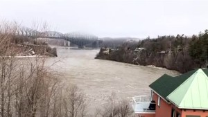 Rivers continue to rise across Quebec