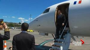 Hollande arrives in Nice to join officials investigating attack