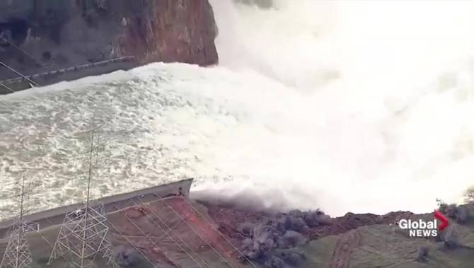 What happened to California's Oroville Dam spillway and why have so