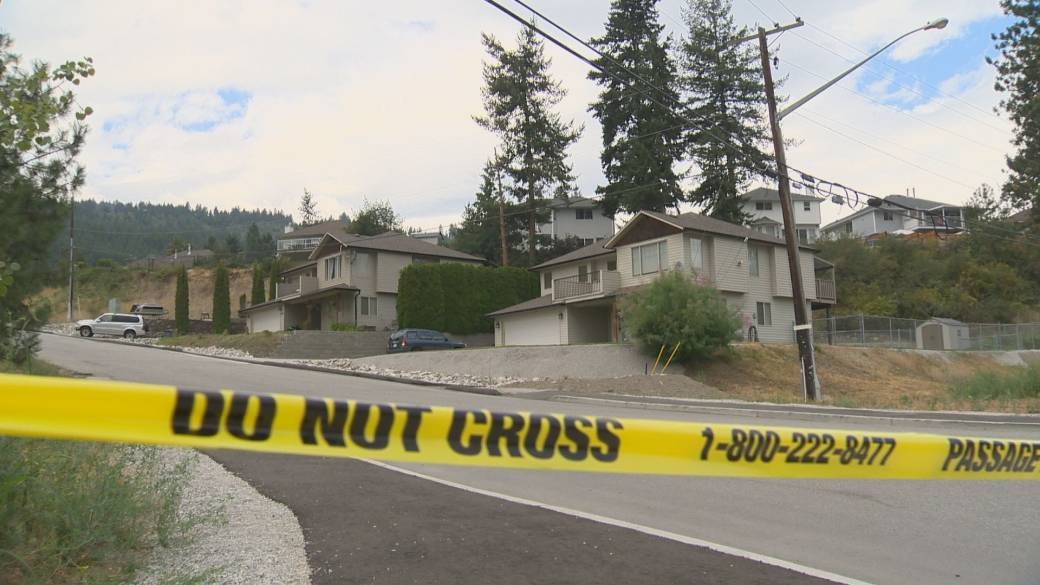 Click to play video: 'One family home destroyed in West Kelowna in Mt. Law wildfire'
