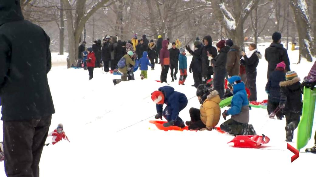 Click to play video 'Quebec eases COVID-19 restrictions for spring break'