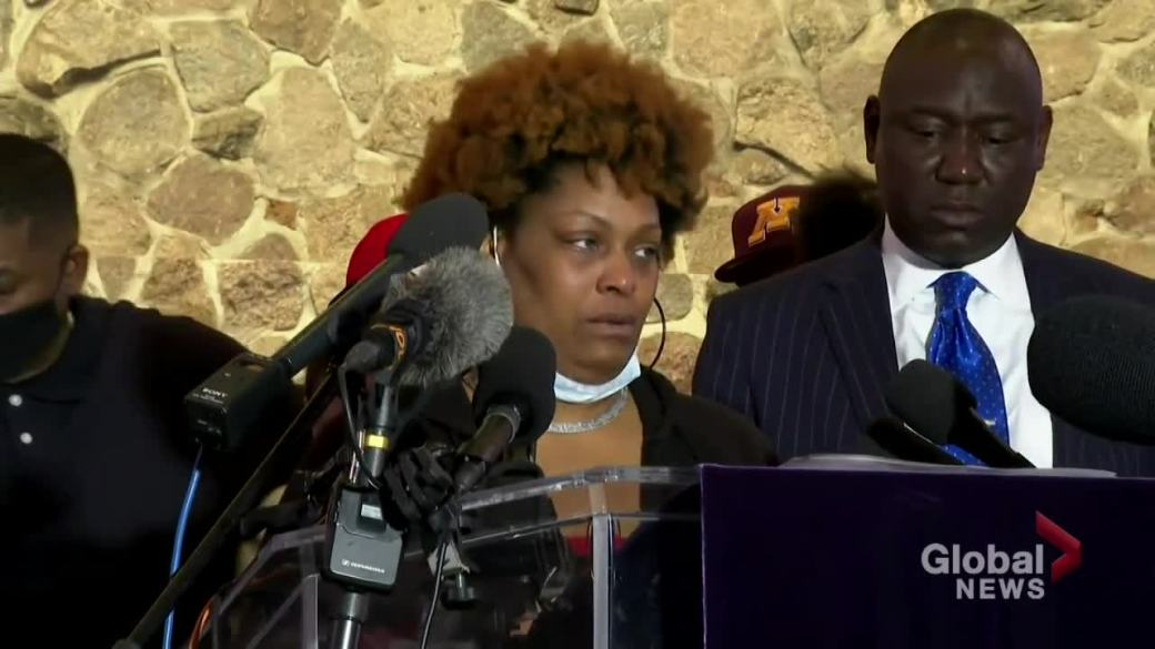 Click to play video: 'Daunte Wright's family emotionally demands accountability for his killing'