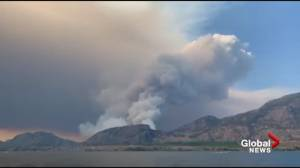 Fast-growing wildfire burning on hillside near Oliver and Osoyoos (00:40)
