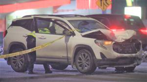 1 person killed after pedestrians hit by vehicle in southwest Calgary (01:46)